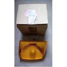 RH front indicator lamp amber